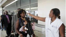 Nguy cơ lây lan Ebola qua hàng không rất thấp