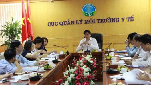 GS.TS Nguyễn Thanh Long Thứ trưởng Bộ Y tế làm việc với Cục Quản lý môi trường y tế về kế hoạch công tác 07 tháng cuối năm 2017