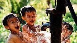 Triển khai Chương trình Nước sạch và vệ sinh môi trường nông thôn 2013